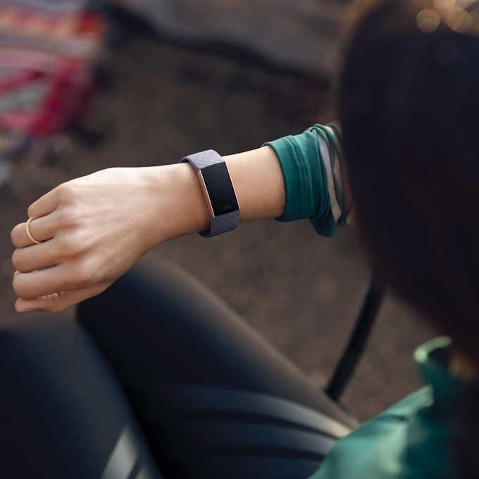 NEW Fitbit Activity Tracker Bundle, Rose Gold SHIPPING
